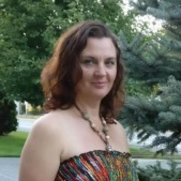 Profile picture of Larisa