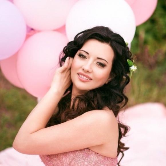 Profile picture of Alena